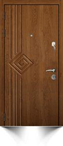 Светло-коричневая бронедверь с декоративными элементами в современном дизайне
