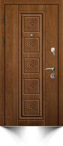 Бронедверь коричневого цвета с декоративной отделкой